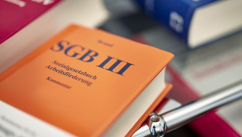 Sozialrecht: Angemessene Vorsorge für Todesfall unterliegt Vermögensschutz
